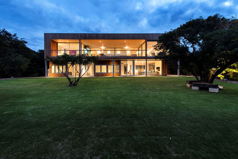 7 Contemporary Masterpiece Eagle Bay Residence Designed by Paul Jones