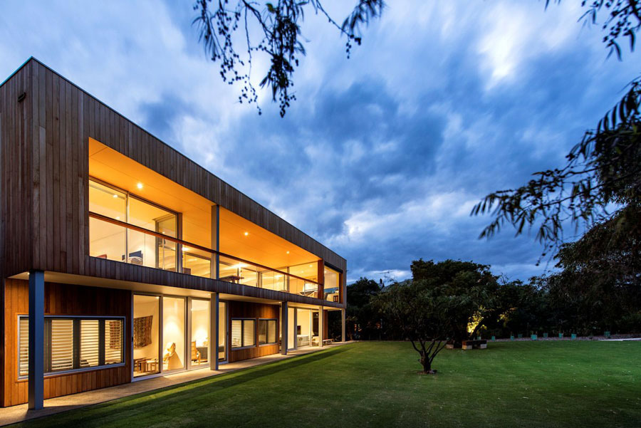 6 Contemporary Masterpiece Eagle Bay Residence Designed by Paul Jones