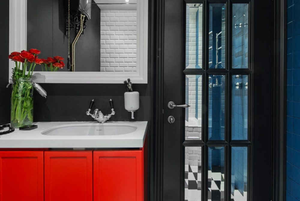Red-Bathroom-by-M-Kunyakina Red bathroom ideas: carpets, accessories and decor