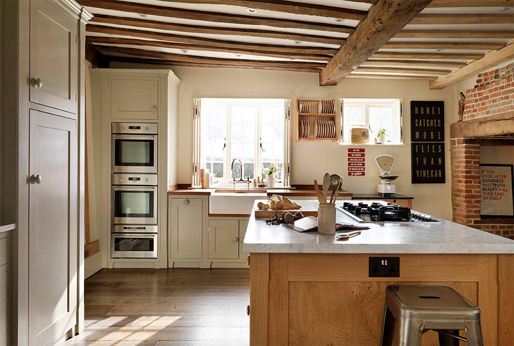 Old-Farmhouse-by-Podesta country kitchen: designs, ideas, cabinets and decor