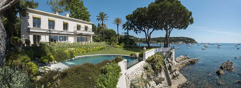 Luxury villa-directly on the sea on the Cote-d-Azur Effective ideas for do-it-yourselfers that improve the overall look of your luxury villa