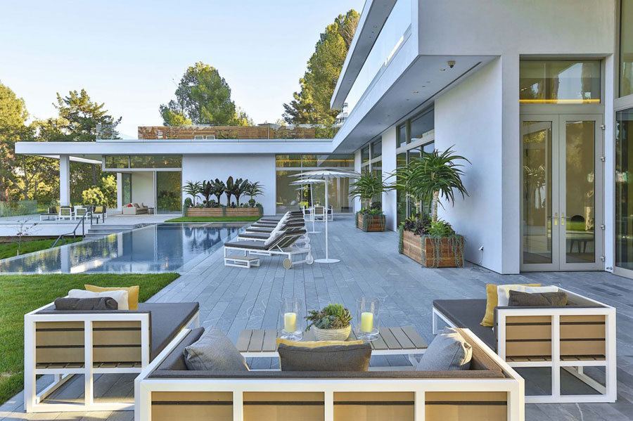 16 Spectacular Los Angeles Property Designed by Quinn Architects