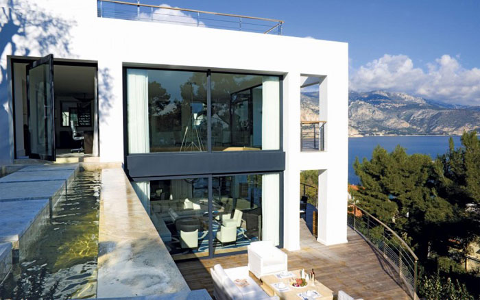 82284403765 Luxurious oceanfront villa with spectacular views
