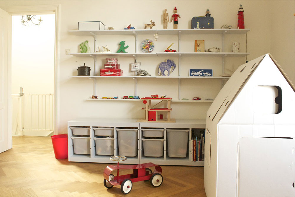 Boys' toy storage ideas from Iris to keep the space tidy and organized