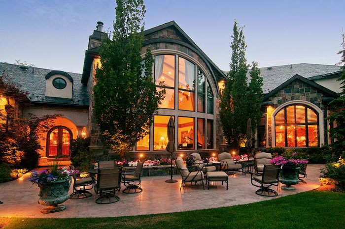 84912509002 Beautiful mansion with traditional interior design - Holladay Estate