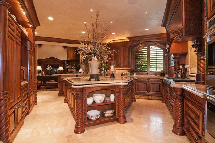 84912579262 Beautiful mansion with traditional interior design - Holladay Estate