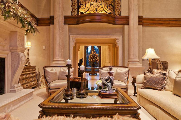 84912602387 Beautiful mansion with traditional interior design - Holladay Estate