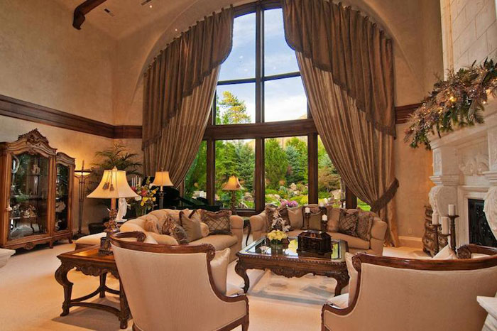 84912596877 Beautiful mansion with traditional interior design - Holladay Estate