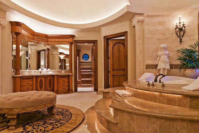 84912641957 Beautiful mansion with traditional interior design - Holladay Estate