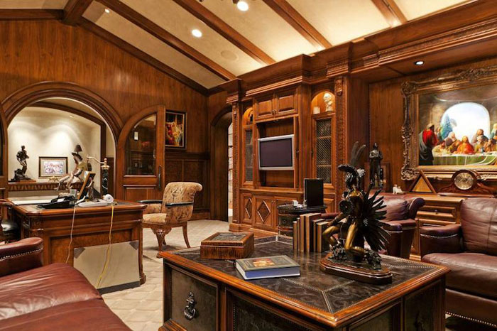 84912667597 Beautiful mansion with traditional interior design - Holladay Estate