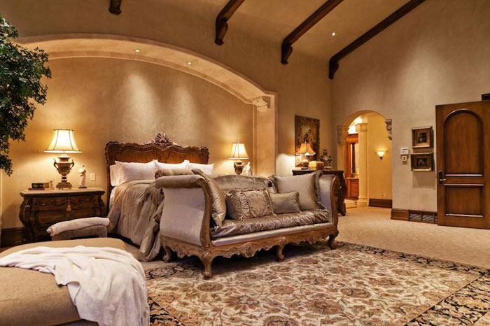 84912634632 Beautiful mansion with traditional interior design - Holladay Estate