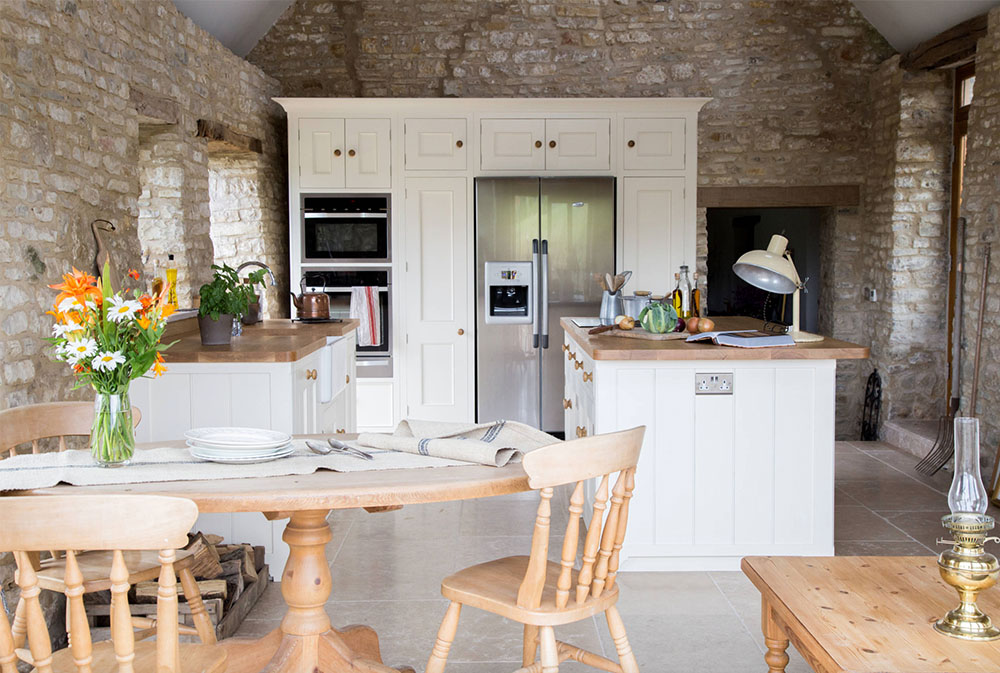 A-Traditional-Country-Kitchen-by-Sustainable-Kitchens Wood worktops: Solid, rustic, natural kitchen counters
