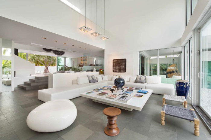 73200628890 Beautiful and luxurious, airy home in Key Biscayne