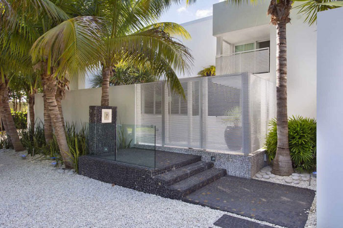 73200571344 The beautiful and luxurious, airy home in Key Biscayne