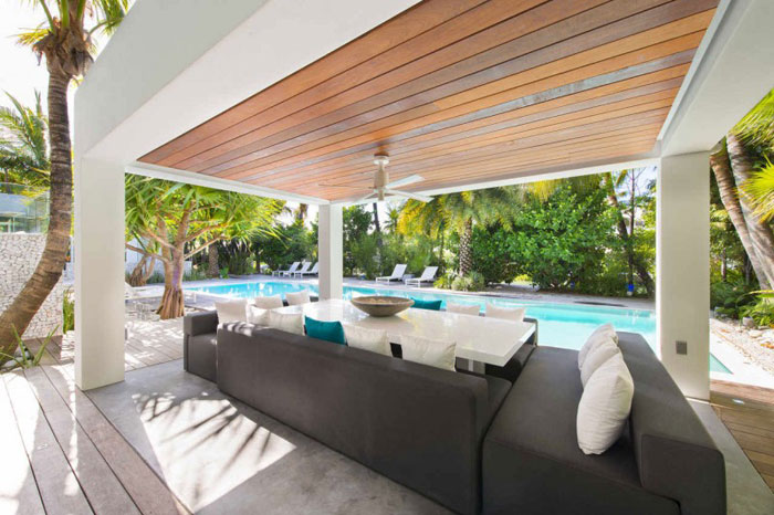 73200602695 The beautiful and luxurious airy home in Key Biscayne