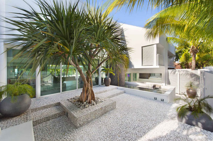 73200609820 The beautiful and luxurious, airy home in Key Biscayne