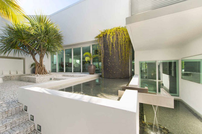 73200578403 The beautiful and luxurious airy home in Key Biscayne
