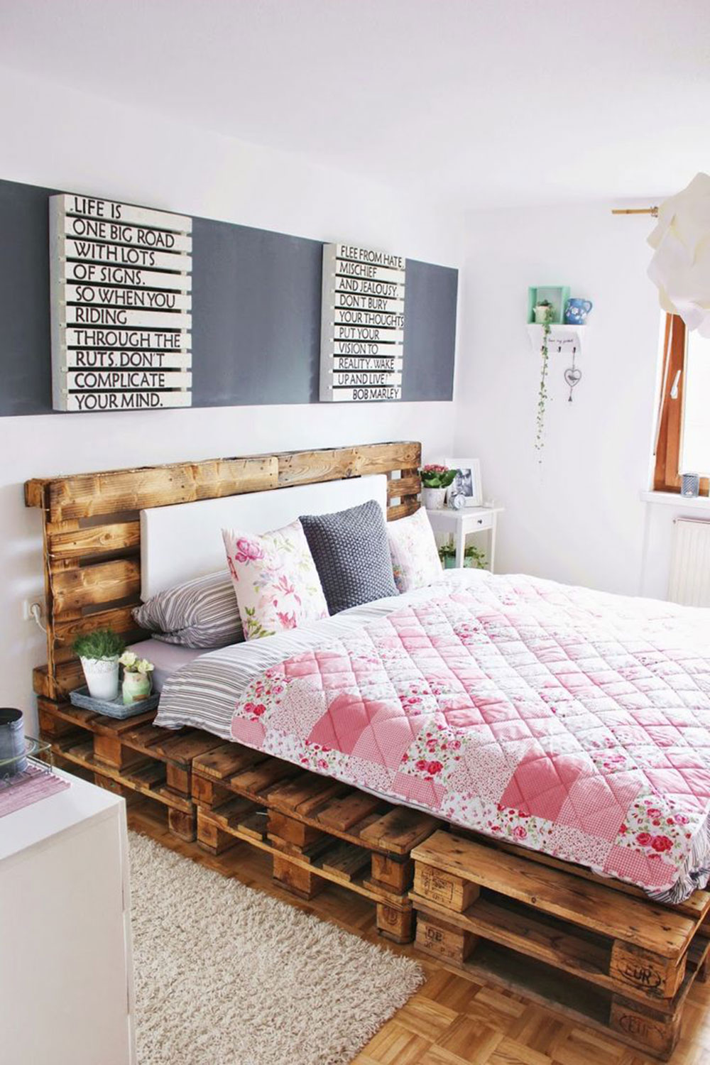 Great Pallet Bed Ideas To Brighten Your Room3 Great Pallet Bed Ideas To Brighten Your Room