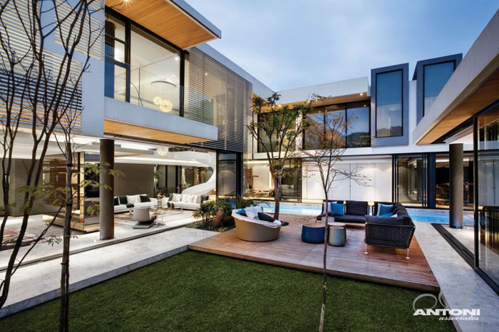 67368145675 Luxurious 6th 1448 Houghton residence owned by SAOTA and Antoni Associates