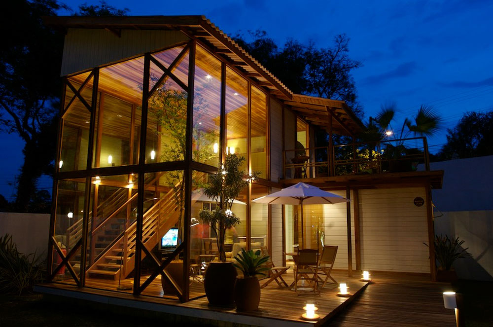 Bright-Your-Backyard-With-These-Deck-Lighting-Ideas7 Backyard Deck Lighting Ideas