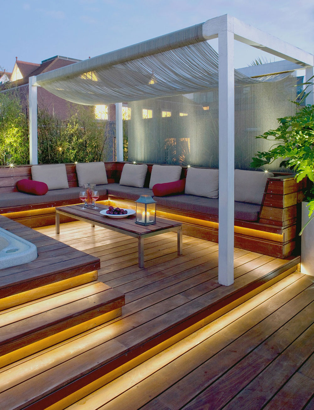 Bright-Your-Backyard-With-These-Deck-Lighting-Ideas4 Backyard Deck Lighting Ideas