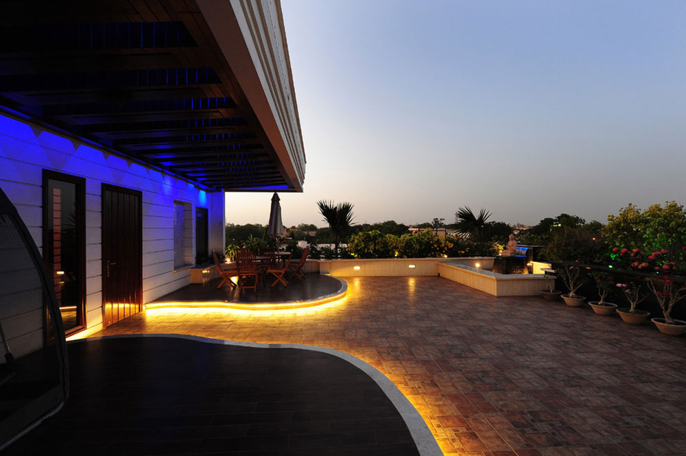 Bright-Your-Backyard-With-These-Deck-Lighting-Ideas13 Backyard Deck Lighting Ideas
