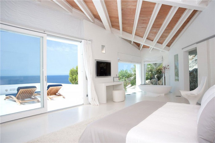 65790968396 Luxurious house with beautiful views and white rooms in Cala Marmacen