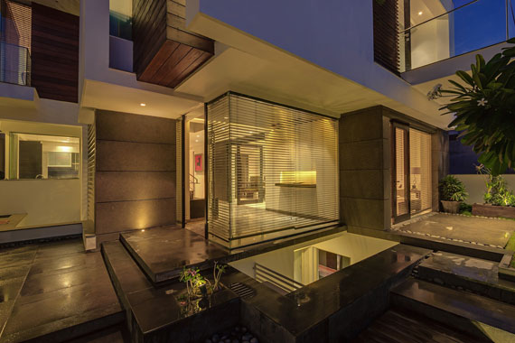 52878095971 Contemporary, elegant and thermally efficient home in New Delhi