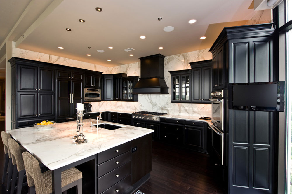 Kitchens-with-black-cupboards-can-still-be-bright4 Kitchens with-black cupboards - pictures and ideas