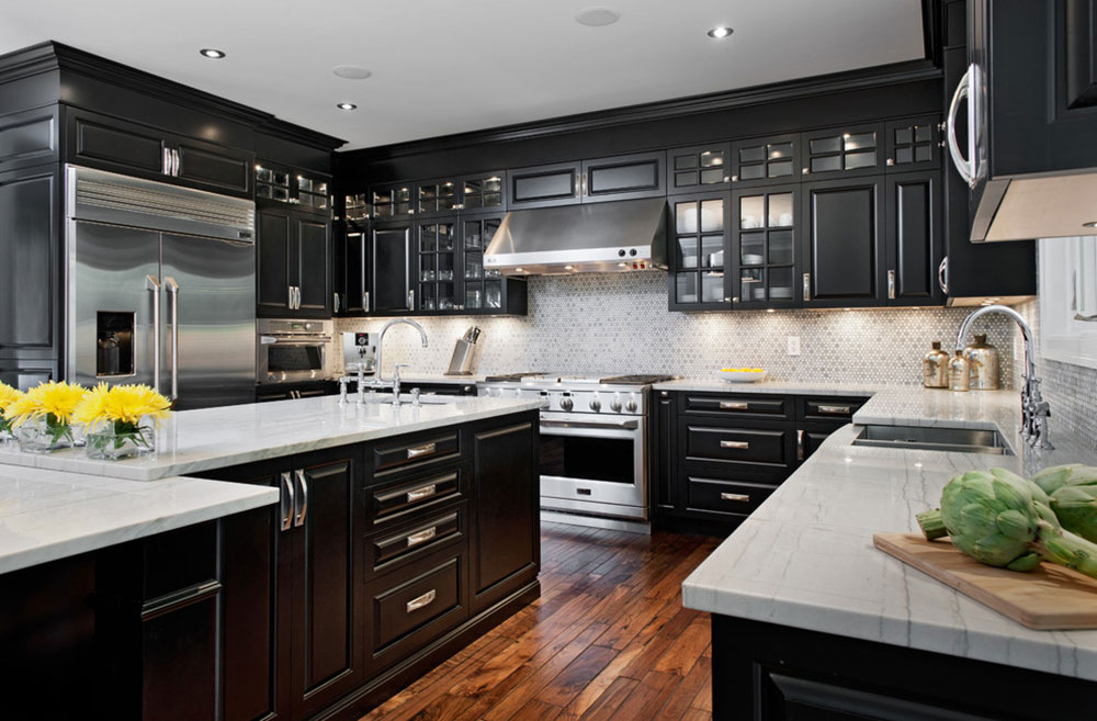 Kitchens-with-black-cupboards-can-still-be-bright5 Kitchens with-black cupboards - pictures and ideas