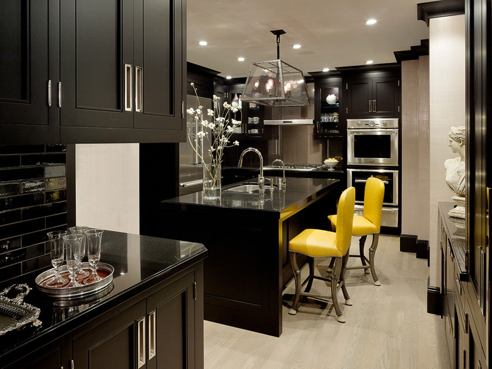 Kitchens with black cabinets can still be bright6 Kitchens with black cabinets - pictures and ideas