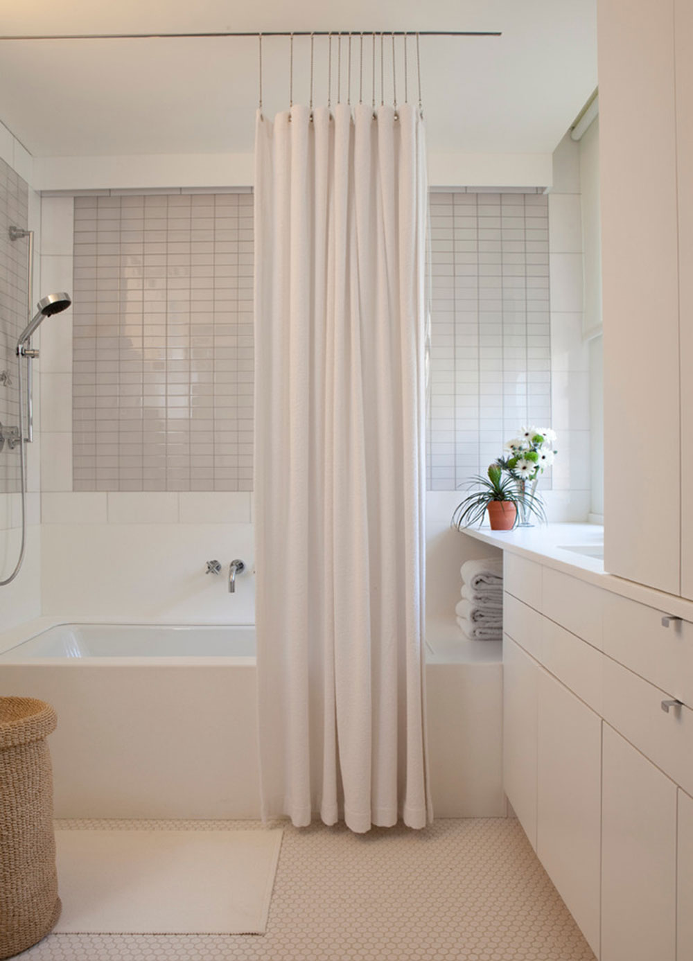 Enhance your bathroom look with trendy shower curtains3 trendy shower curtains for your bathroom