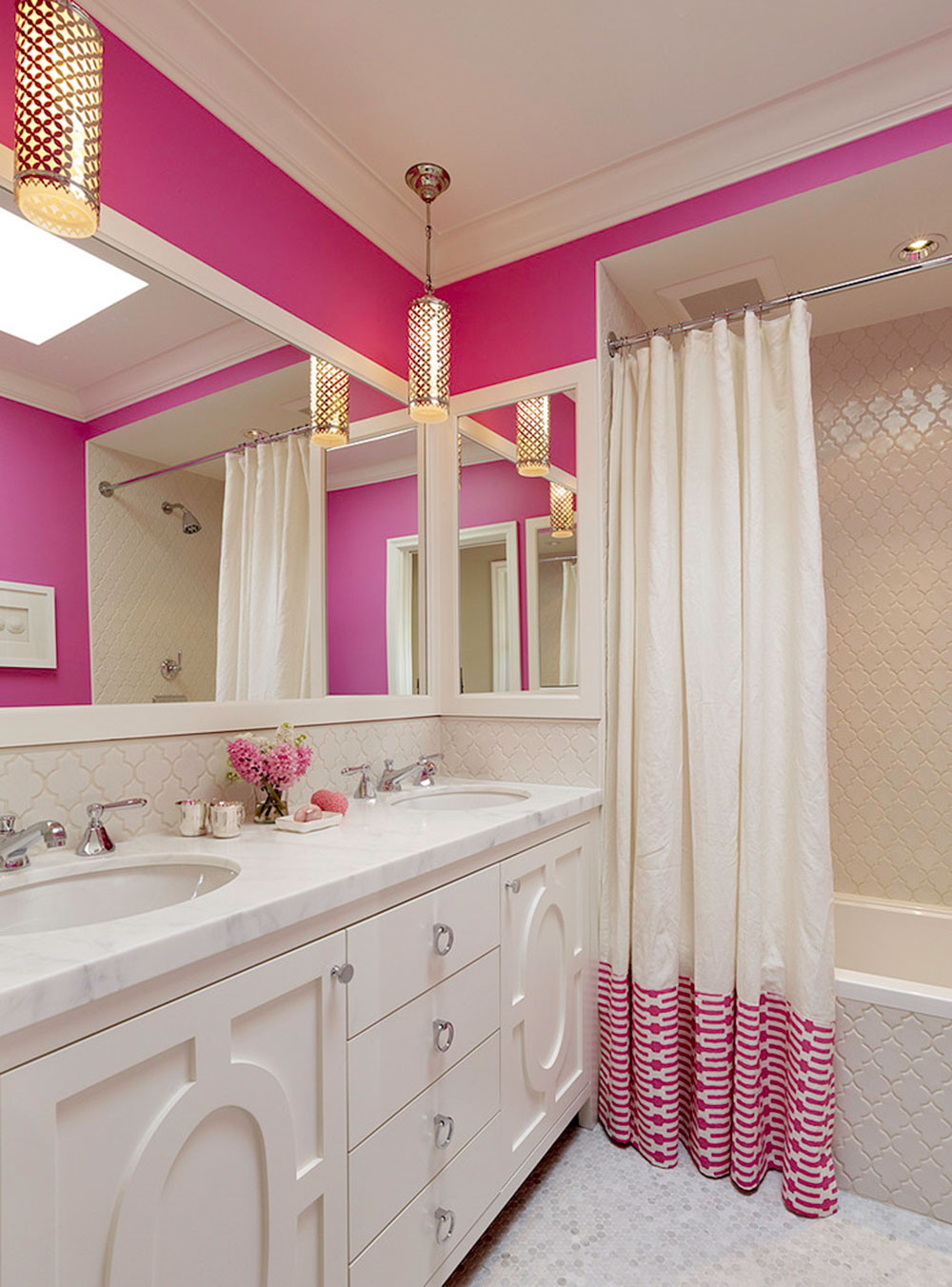 Enhance your bathroom look with trendy shower curtains5 trendy shower curtains for your bathroom