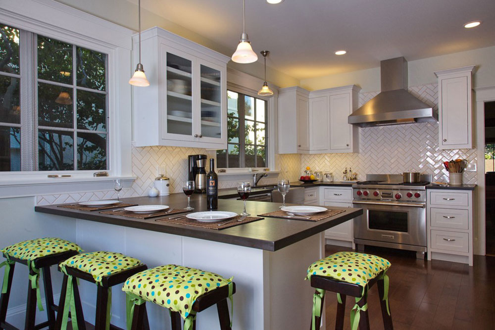 White-Tile-Backsplashes-don't-have-to-be-boring6 White Tile Backsplash Design Ideas