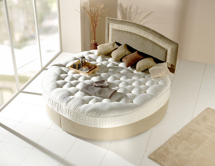 72436767208 Designs of round beds for your bedroom