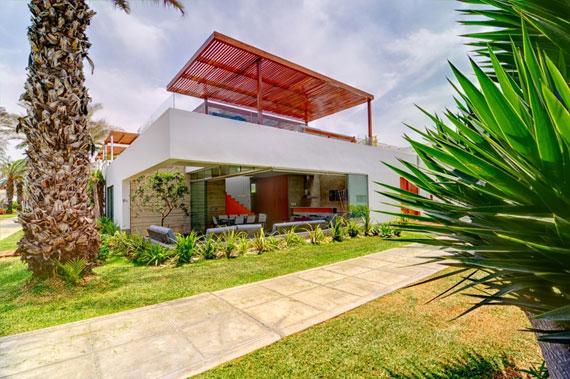 48202973667 Modern House Casa Seta Designed by Martin Dulanto