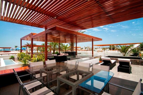 48202997717 Modern House Casa Seta Designed by Martin Dulanto