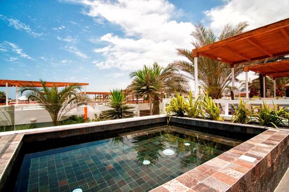 48203102694 Modern House Casa Seta Designed by Martin Dulanto
