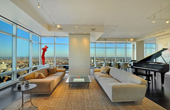 man2 Minimalist penthouse in Manhattan with glass exterior walls