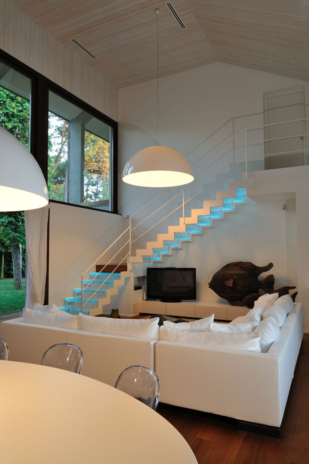 Modern and exquisite floating staircase13 Modern and exquisite floating staircase designs
