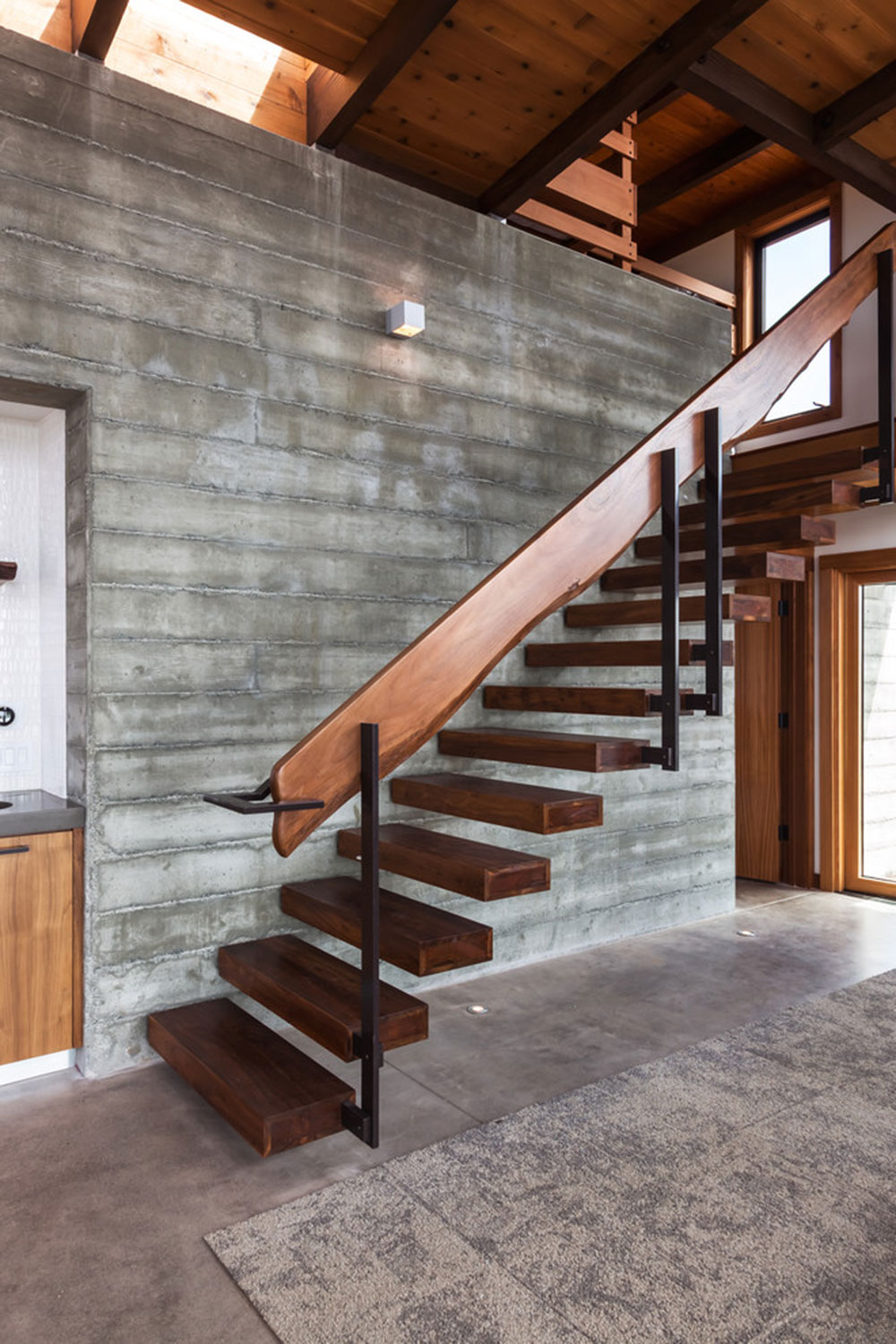 Modern and Exquisite Floating Staircase2 Modern and exquisite floating staircase designs