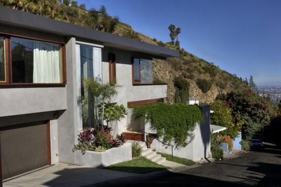 w3 Modern residence in West Hollywood designed by fer Studio