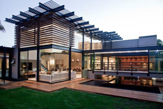 s2 Impressive Aboobaker house by Nico van der Meulen Architects