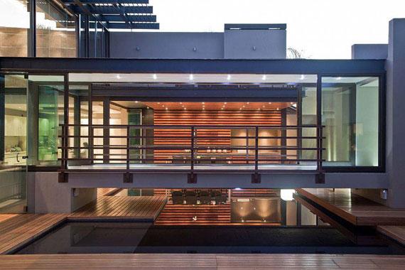 s3 Impressive Aboobaker house by Nico van der Meulen Architects