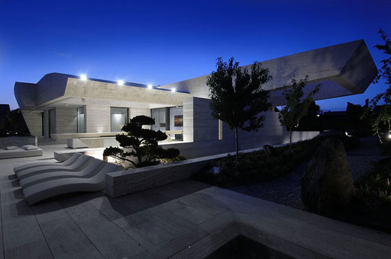 m4 house with marble exterior designed by A-Cero in Pozuelo de Alarcón, Madrid