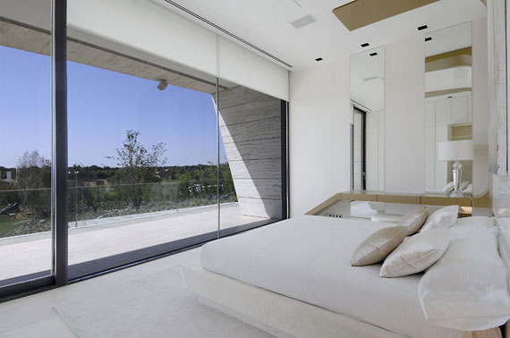m15 House with Marble Exterior Designed by A-Cero in Pozuelo de Alarcón, Madrid