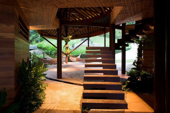 l15 The incredible leaf house of Mareines + Patalano Arquitetura