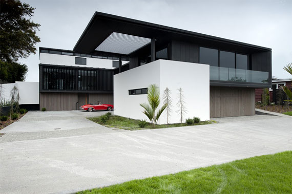 cls4 Modern black and white dream house: Lucerne House by Daniel Marshall Architects