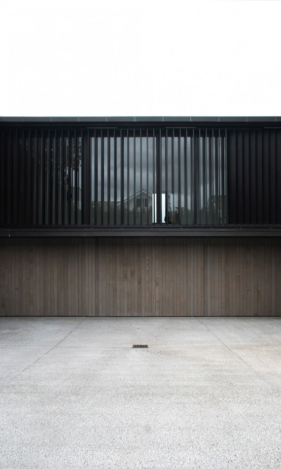 cls7 Modern black and white dream house: Lucerne House by Daniel Marshall Architects