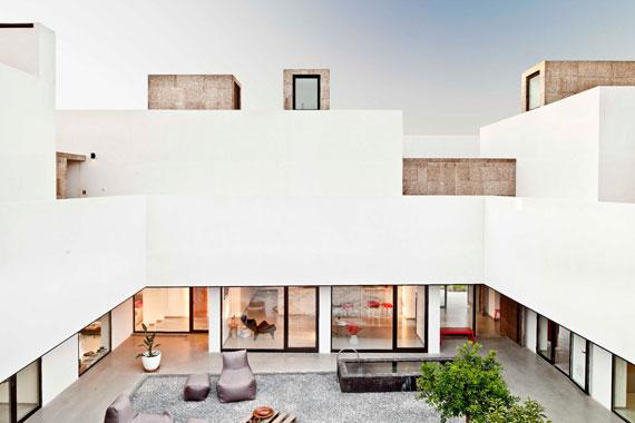 casa6 All white walls Villa Extramuros In Arraiolos Designed by Vora Arquitectura